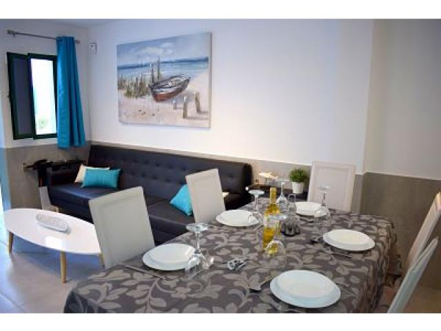 Dining table for 5 - Holiday Urban, Corralejo, Fuerteventura