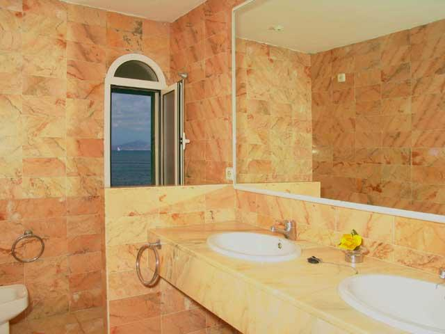 Bathroom showing double sinks - Villas Lara, Corralejo, Fuerteventura