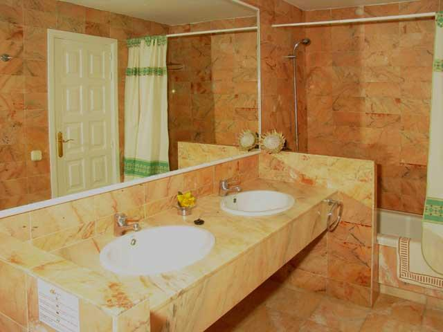 Bathroom showing shower & bath - Villas Lara, Corralejo, Fuerteventura